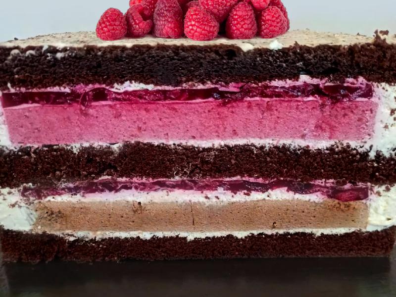 Шоколадный торт с малиной рецепт