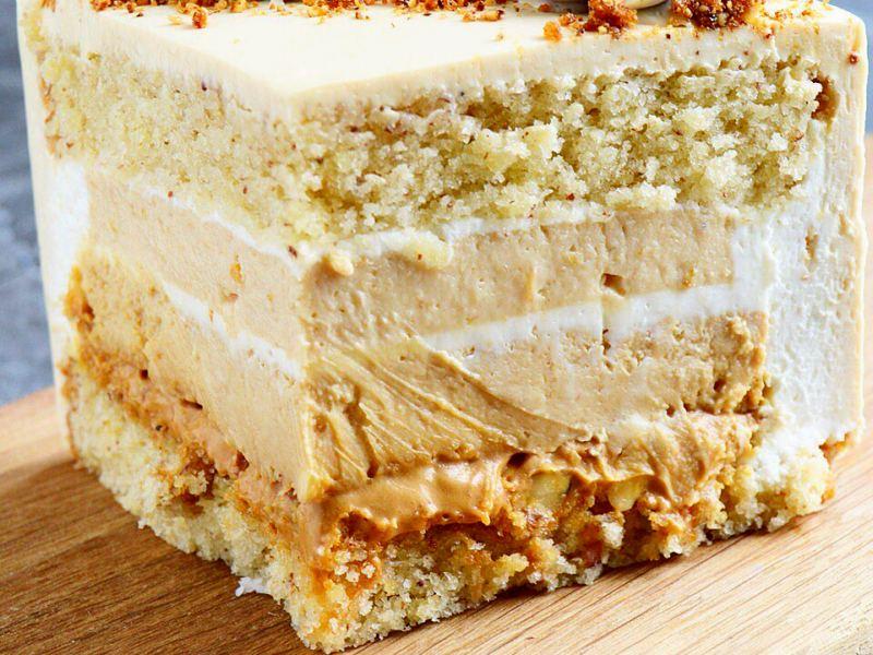 Персиковый торт с чизкейком и миндалем