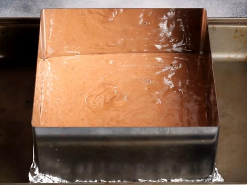 Вкусный шоколадный бисквит на кипятке