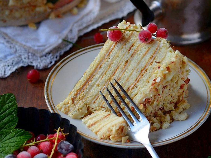 Торт Минутка на сковороде со сгущенкой