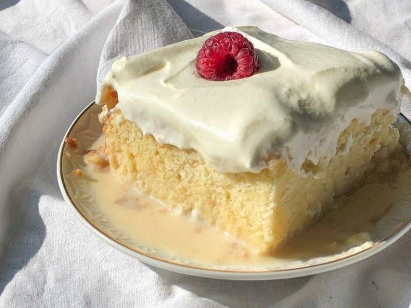 Турецкий десерт Трилече или три молока