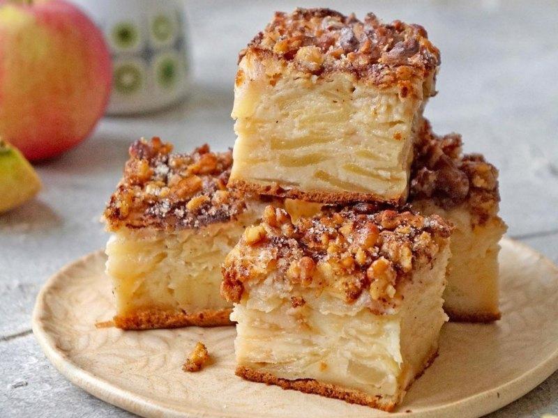 Яблочный пирог невидимый рецепт - мало теста много яблок