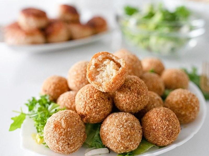Картофельные шарики из пюре в панировке