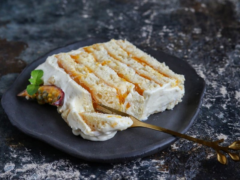 Пирожное Манго - Маракуйя на кокосовой основе