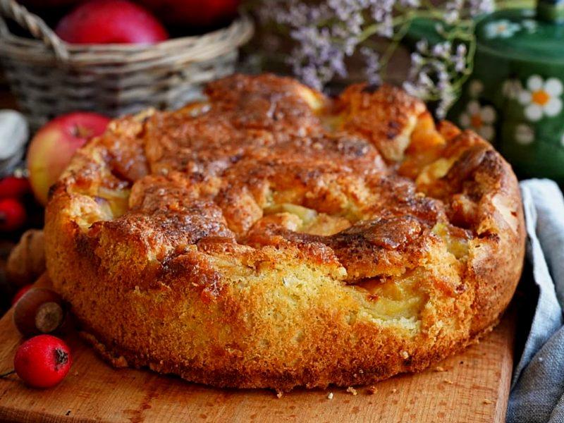 Рецепт яблочной шарлотки пошагово с фото