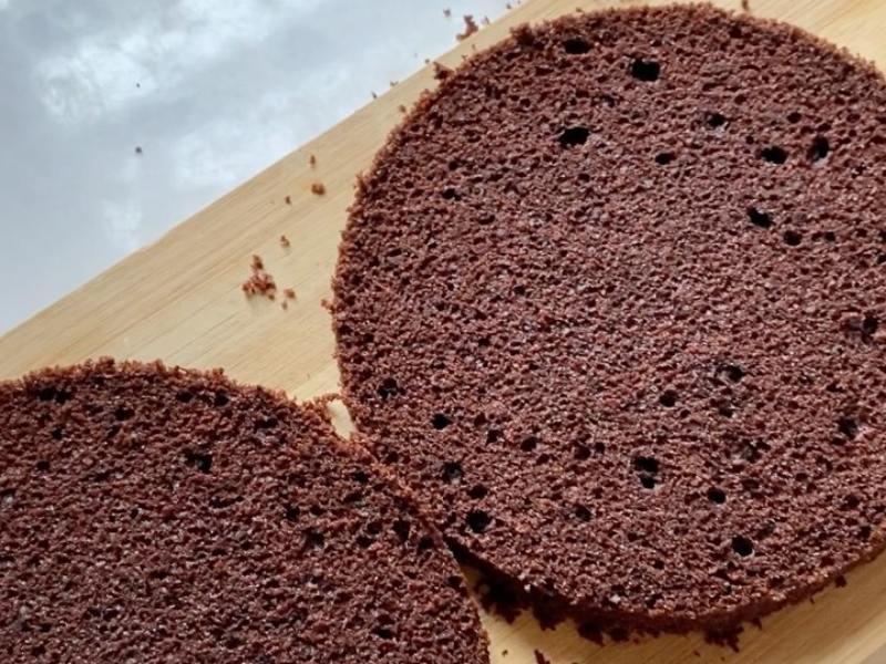 Шоколадные коржи для торта с вареной сгущенкой