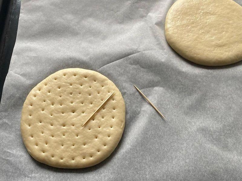 Сметанные лепешки на дрожжах рецепт в духовке