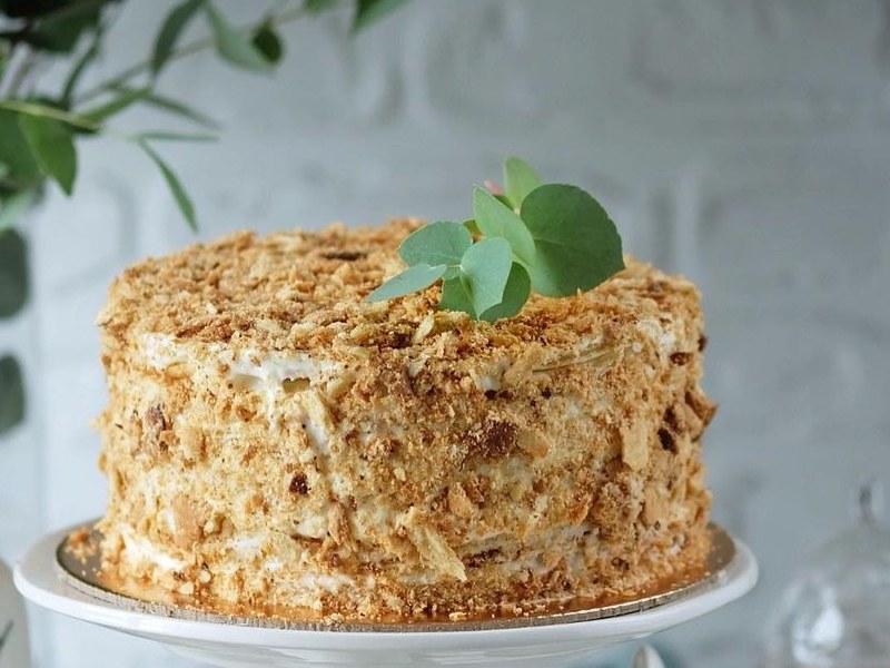 Торт Наполеон хрустящий с кремом Пломбир