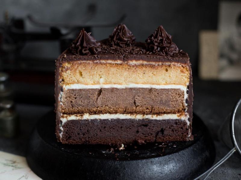 Бисквитный торт Три Шоколада