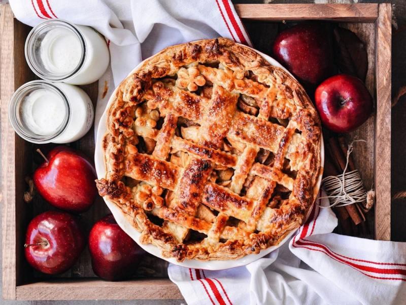 Яблочный пирог с карамелью рецепт