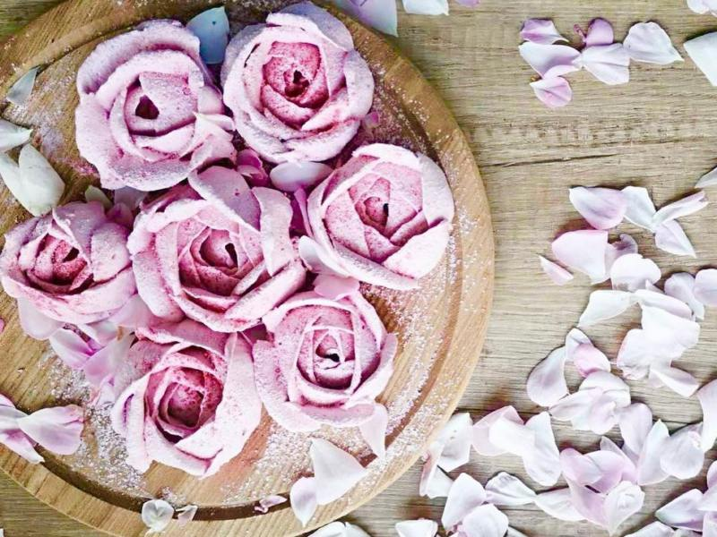 Домашний клубничный зефир с розой рецепт